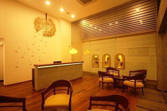 The Fern Residency Miramar Hotel & Spa : Lobby