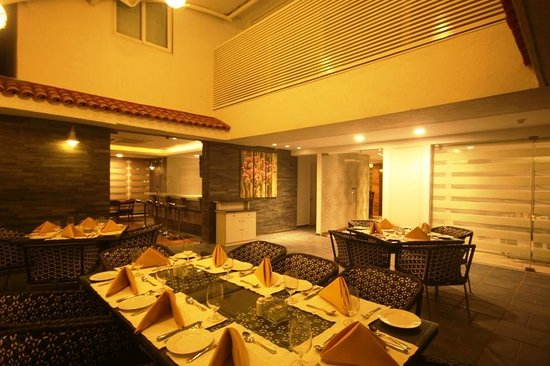 The Fern Residency Miramar Hotel & Spa : Outer Deck