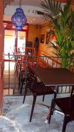 Le Cafe Italien : L'intérieur du café Italien