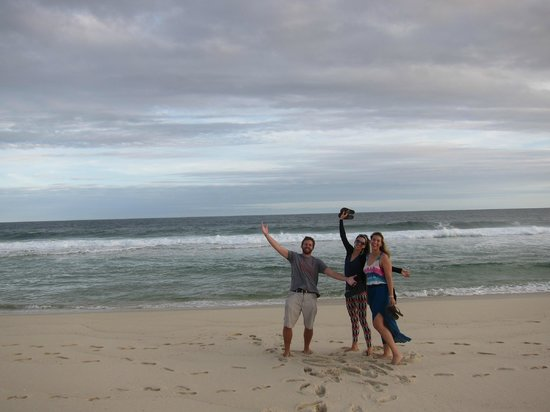 Pousada Santa Monica: Private beach just outside!