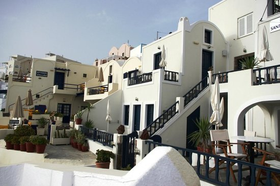 Santorini View : Left rooms with private balconies