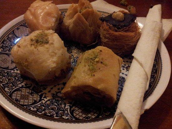 Equinox Verdi : Pasteles libaneses (1€/unidad)