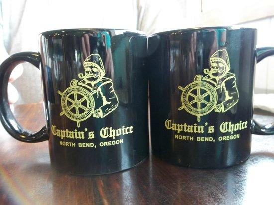 Captain's Choice Family Fish House: Their coffee is good, fresh, hot.