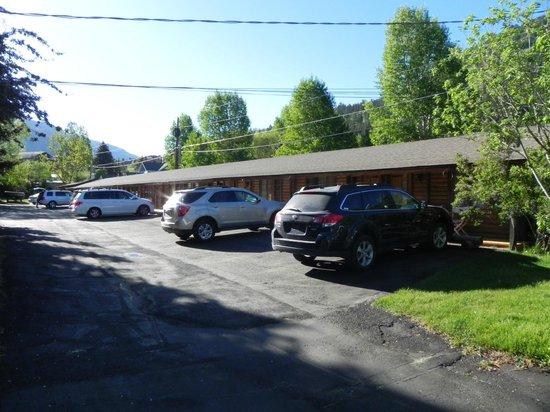 Buckrail Lodge: Classic motel design