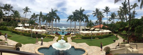 Four Seasons Resort Maui at Wailea: View from Stairs Near Pool