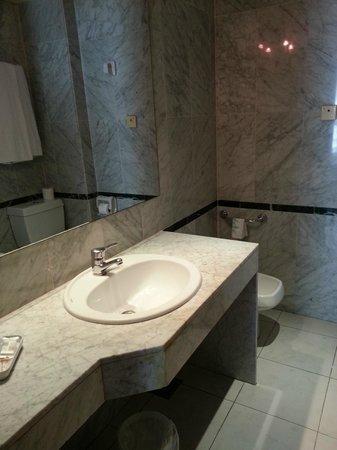 Barcelona Century Hotel: bagno