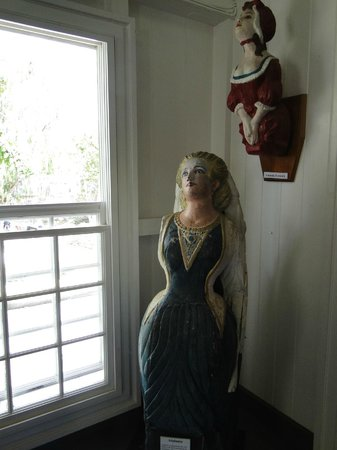 Admiral's House Museum: Refined 'ladies' - figureheads in Museum