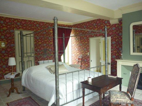 Chateau De Paradis: suite