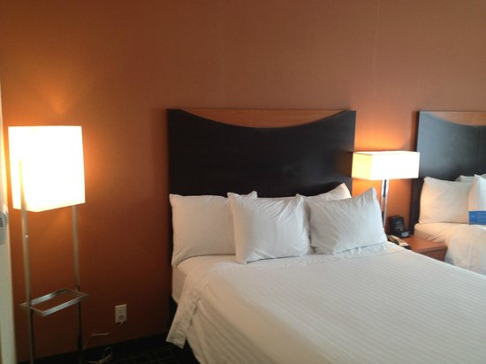 Fairfield Inn & Suites Tallahassee Central: Relaxing decor