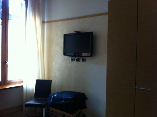 Best Western Hotel Armando: TV im Zimmer