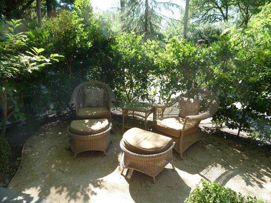 Cottage Grove Inn : Front porch