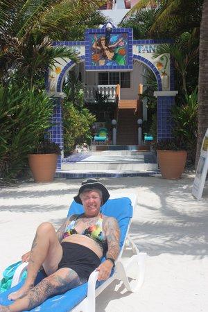Blue Tang Inn: Beach at the Blue Tang