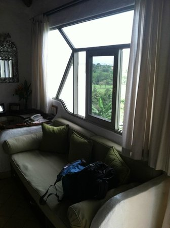 Finca Rosa Blanca Coffee Plantation Resort: sofa in room