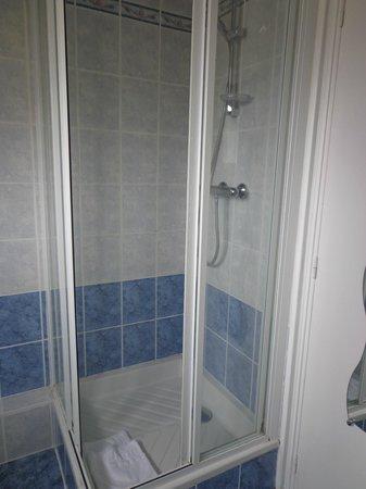 Le Normand : cabine de douche