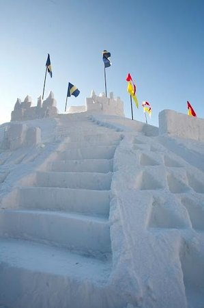 Sipapu Ski Area : Sipapu's President's Day castle typically stays up until early March.