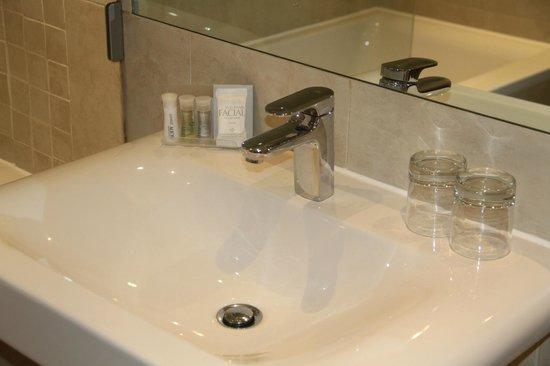 Ullswater View Bathroom Family Room