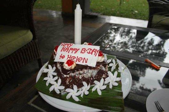 Villa Rosa: Birthday Cake