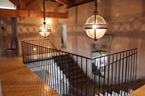 Au Bonheur des Hôtes : Escalier