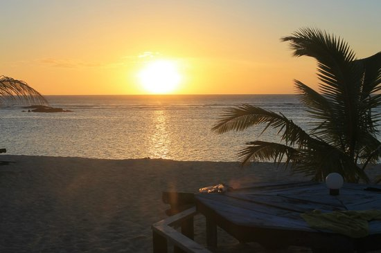 Falealupo Beach Fales: Sunset (view from the fale!)