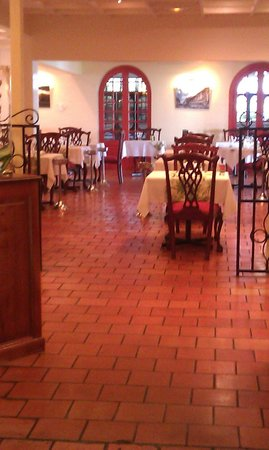 Auberge de la Vieille Tour: Hotel Restaurant Open 7 days a week
