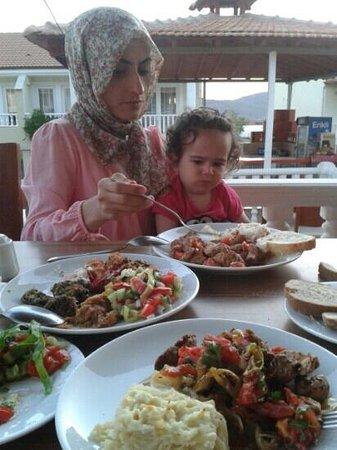 Moneba Suite Hotel: yemekler güzel