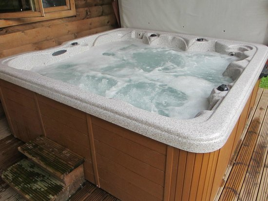Freehay, UK: Hot tub