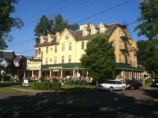 Hotel Lenhart: Another Exterior Picture
