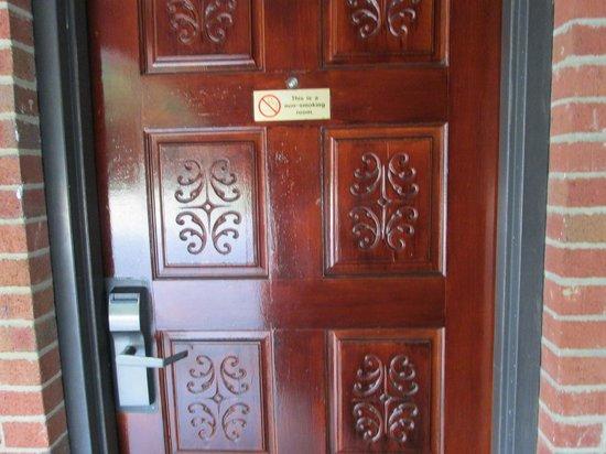 Americas Best Value Inn - Rockingham : Unique Doors with Electronic Locks
