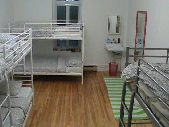 OM Montreal BnB : Spacious 8 Bed Dorm