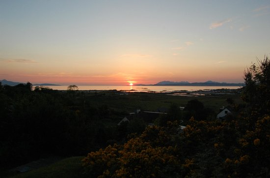 Cnoc-na-Faire: Glorious sunsets!