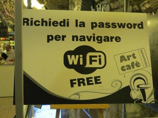 Art Cafe': Free WiFi