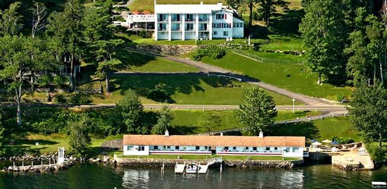 An ariel view of Belknap Point Motel from the lake side