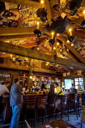McMenamins Grand Lodge: Pat's Corner Bar