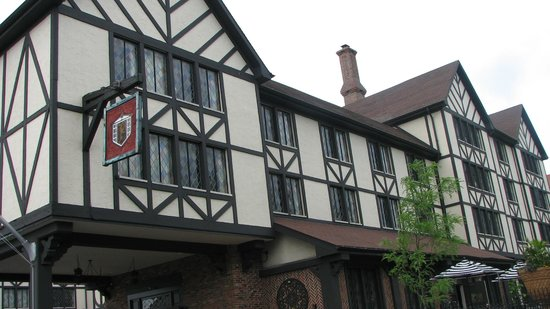 The Cheshire: European style hotel