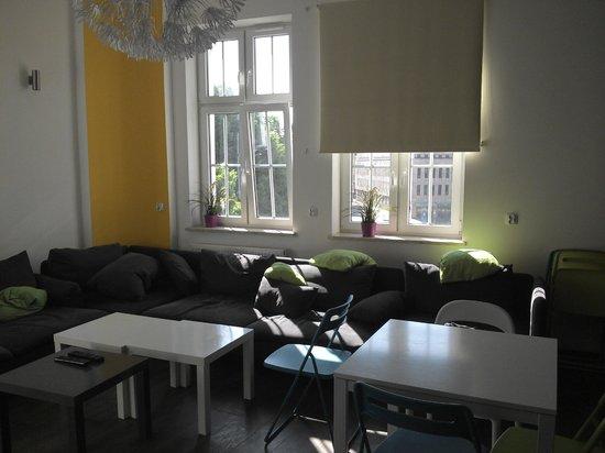 3City Hostel: 2nd floor lounge (adjoins kitchen)