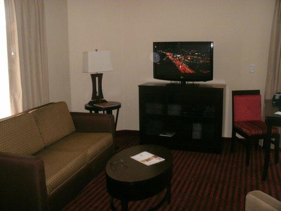 HYATT house Dallas/Addison: living room