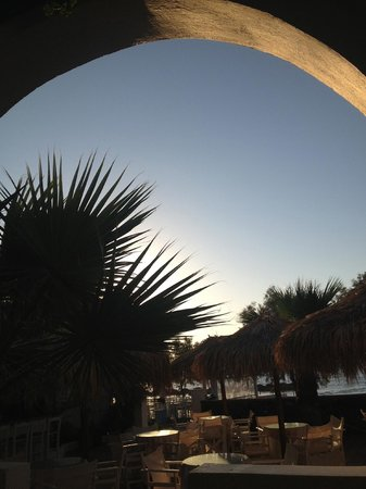 The Boathouse Hotel: Sunset happens on the other side of the island