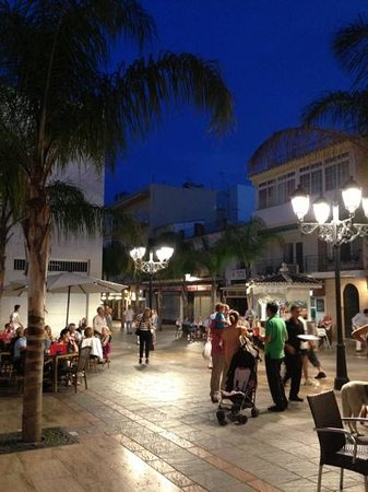 La Plaza de los Chinorros : surrounded by traditional Tapas Bars