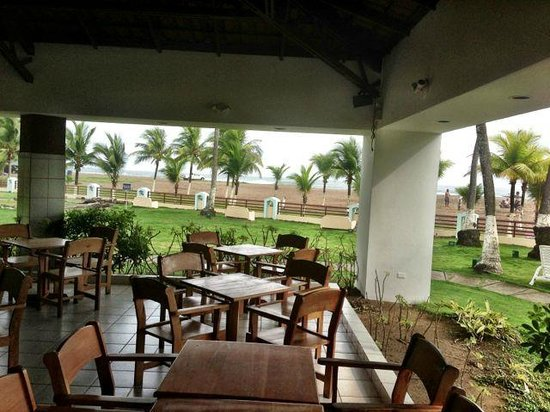 BEST WESTERN Jaco Beach All Inclusive Resort: Beach Bar with Snacks on Waterfront