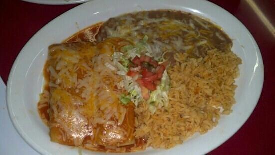 El Mariachi 2: Shredded beef enchiladas! tasty tasty!!