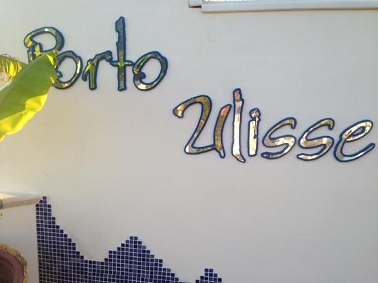 Porto Ulisse: Добавить подпись