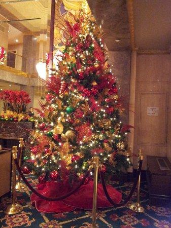 Wellington Hotel: Christmas tree