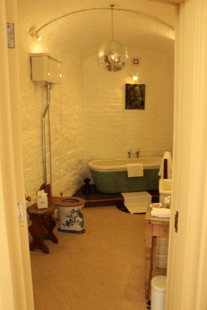 Castle Leslie Estate: Sir John's Bathroom