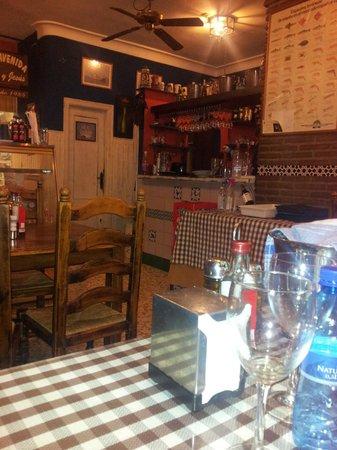 Lute y Jesus: Interior restaurante