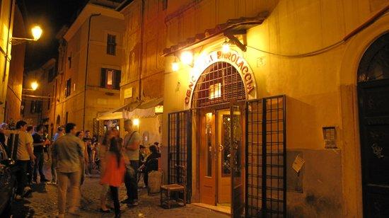 Residenza Santa Maria: Trastevere di notte 2
