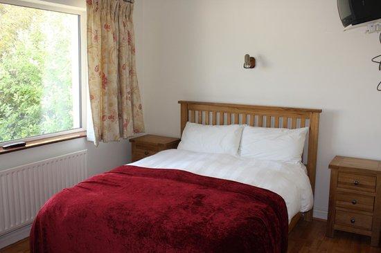 Darcy's B&B: bedroom