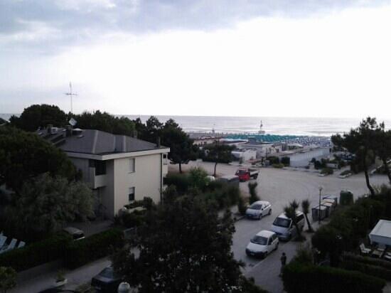 Hotel Ambra: vista mare  dalla camera