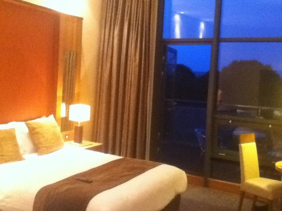 Newpark Hotel: Bedroom