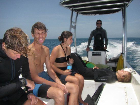 Freedive Utila - Apnea Total Freediving School: Our trip back with Tex at the helm