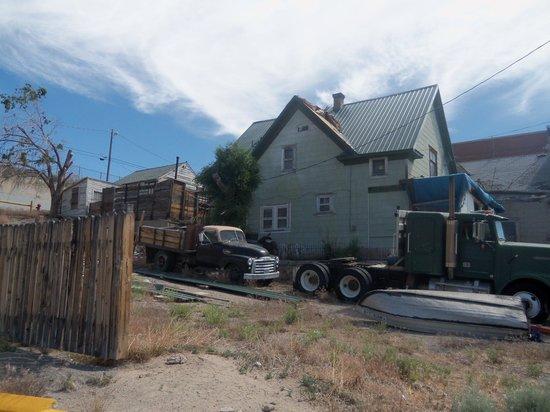 Four Sevens Motel : Property NEXT to motel